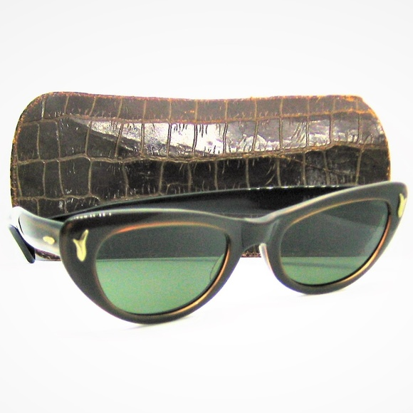 5d2913f62dca Vintage Ray-Ban by Bausch & Lomb USA Accessories | Rayban Usa 1950s ...